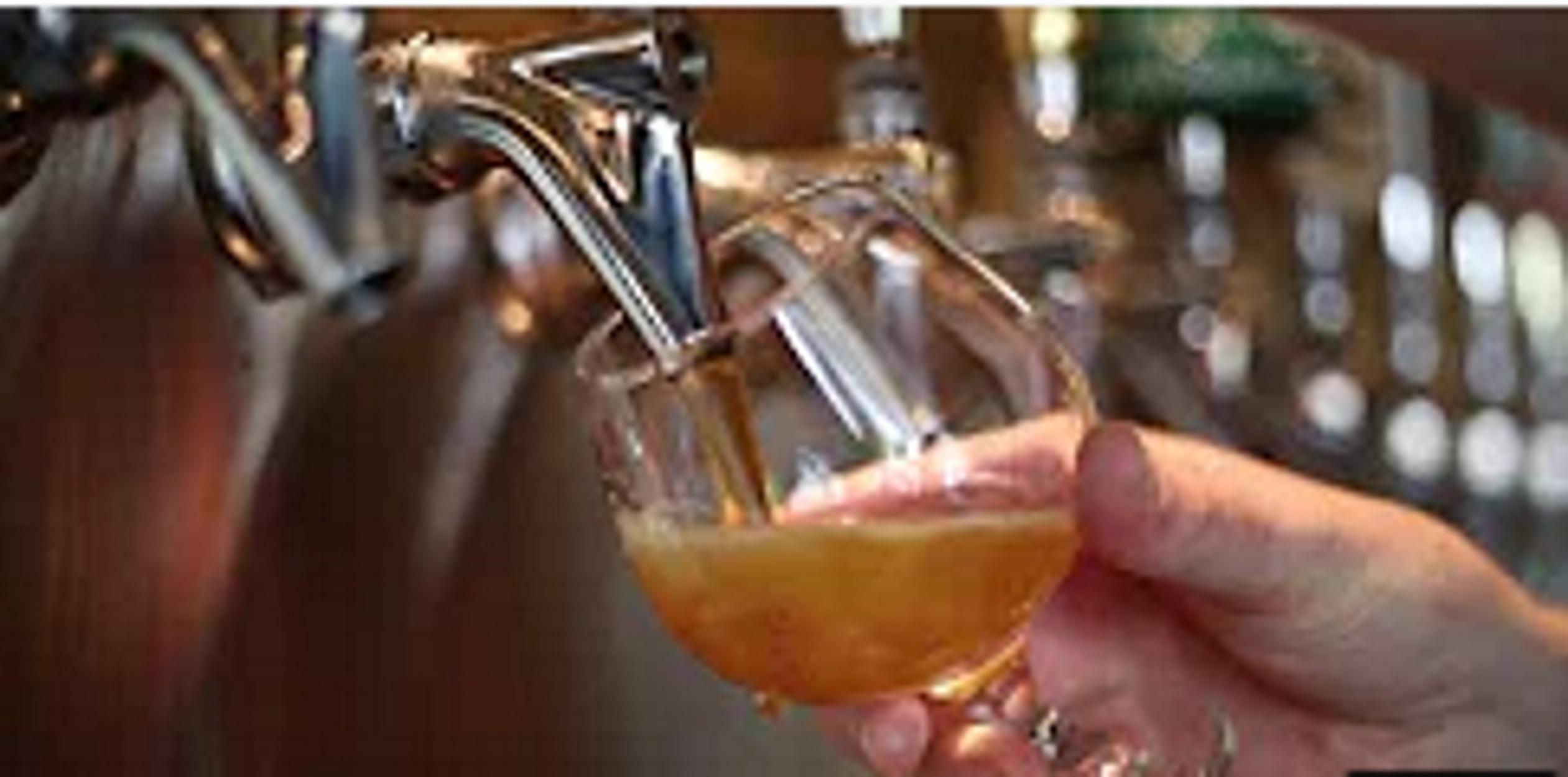 Αλκοόλ, τζόγος, διαδίκτυο, ουσίες και καραντίνα: Πότε ξεκινάει η εξάρτηση