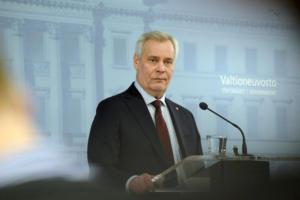 Φινλανδία: Παραιτήθηκε και… παραμένει ο πρωθυπουργός Άντι Ριν