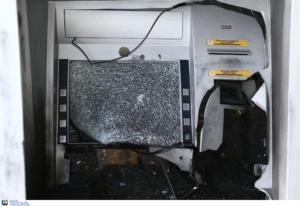 Μπαράζ εμπρηστικών επιθέσεων τη νύχτα στην Αθήνα σε τράπεζες και καταστήματα!