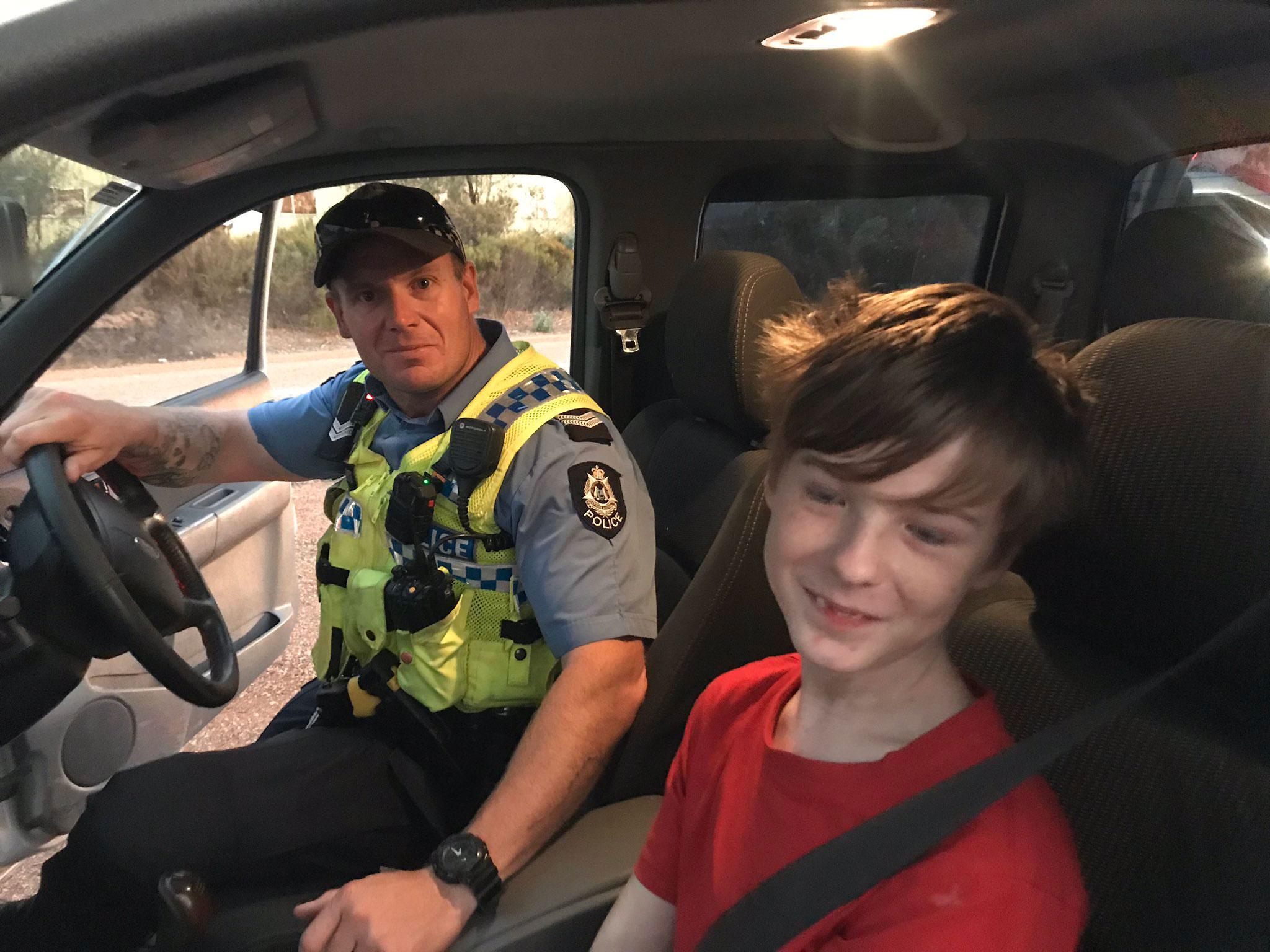 Αυστραλία: 12χρονος ήρωας, γλίτωσε από τη φωτιά γιατί ήξερε να οδηγεί!