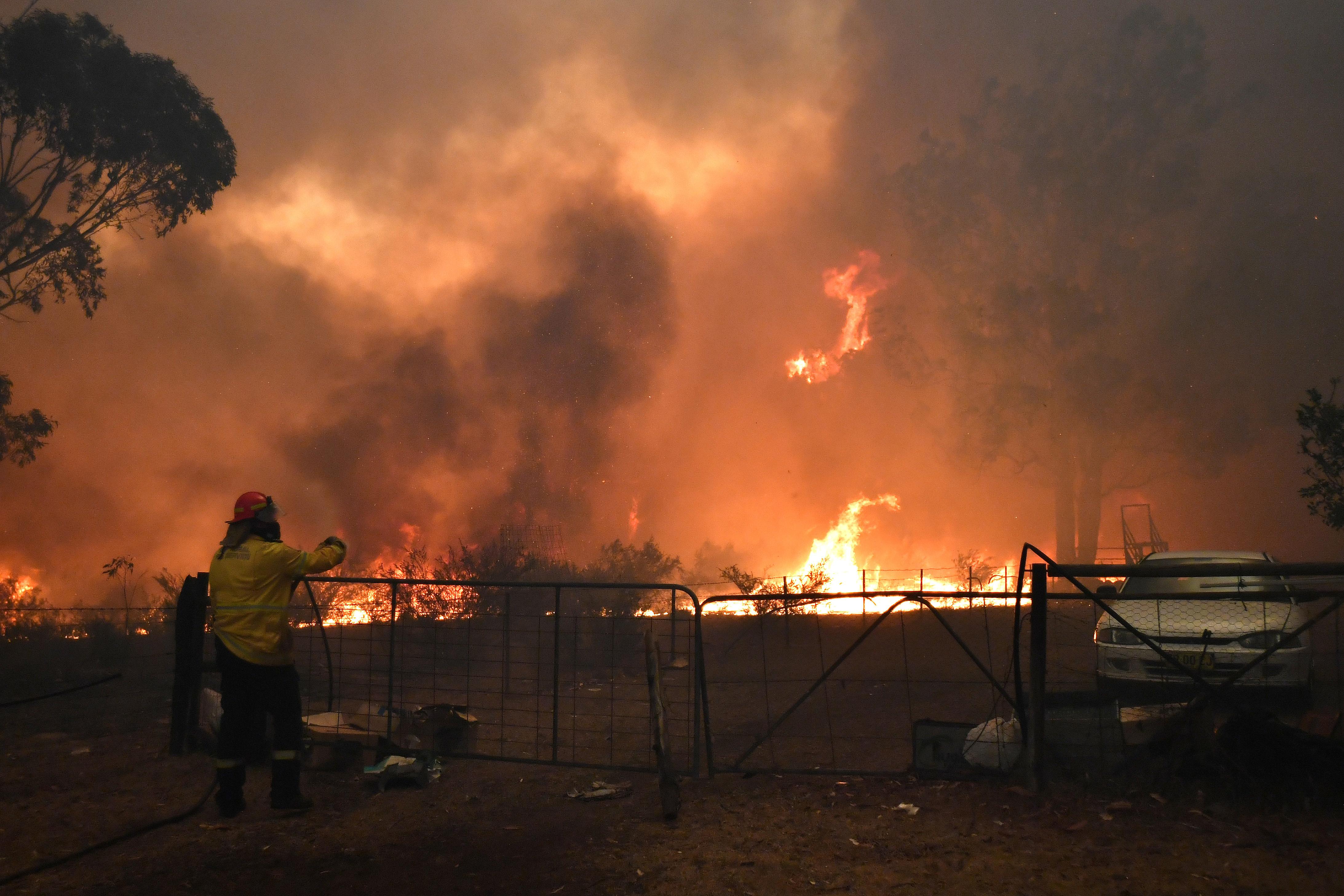 """Αυστραλία: Δεν σταματιέται ο πύρινος όλεθρος! """"Φύγετε γρήγορα από τα σπίτια σας"""" - Έφτασαν τους 26 οι νεκροί"""