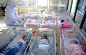 Επίδομα παιδιού: Έτσι θα δίνονται τα 2.000 ευρώ – Τα κριτήρια