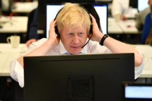 Brexit: Αρχίζει να… αγχώνεται ο Μπόρις Τζόνσον! Μειώνουν την ψαλίδα οι Εργατικοί