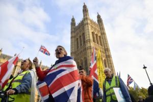 Brexit: Με ηλεκτρονική άδεια οι Ευρωπαίοι στη Βρετανία υπόσχονται οι Συντηρητικοί