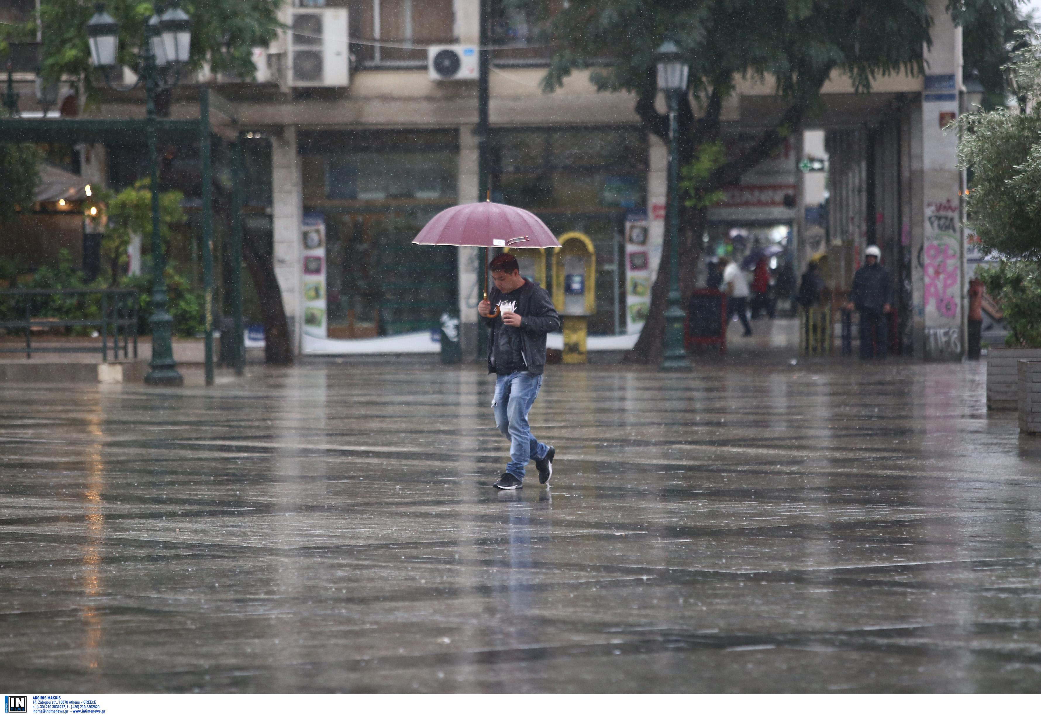 Καιρός: Βροχές, καταιγίδες, παγετός και… άνοδος θερμοκρασίας
