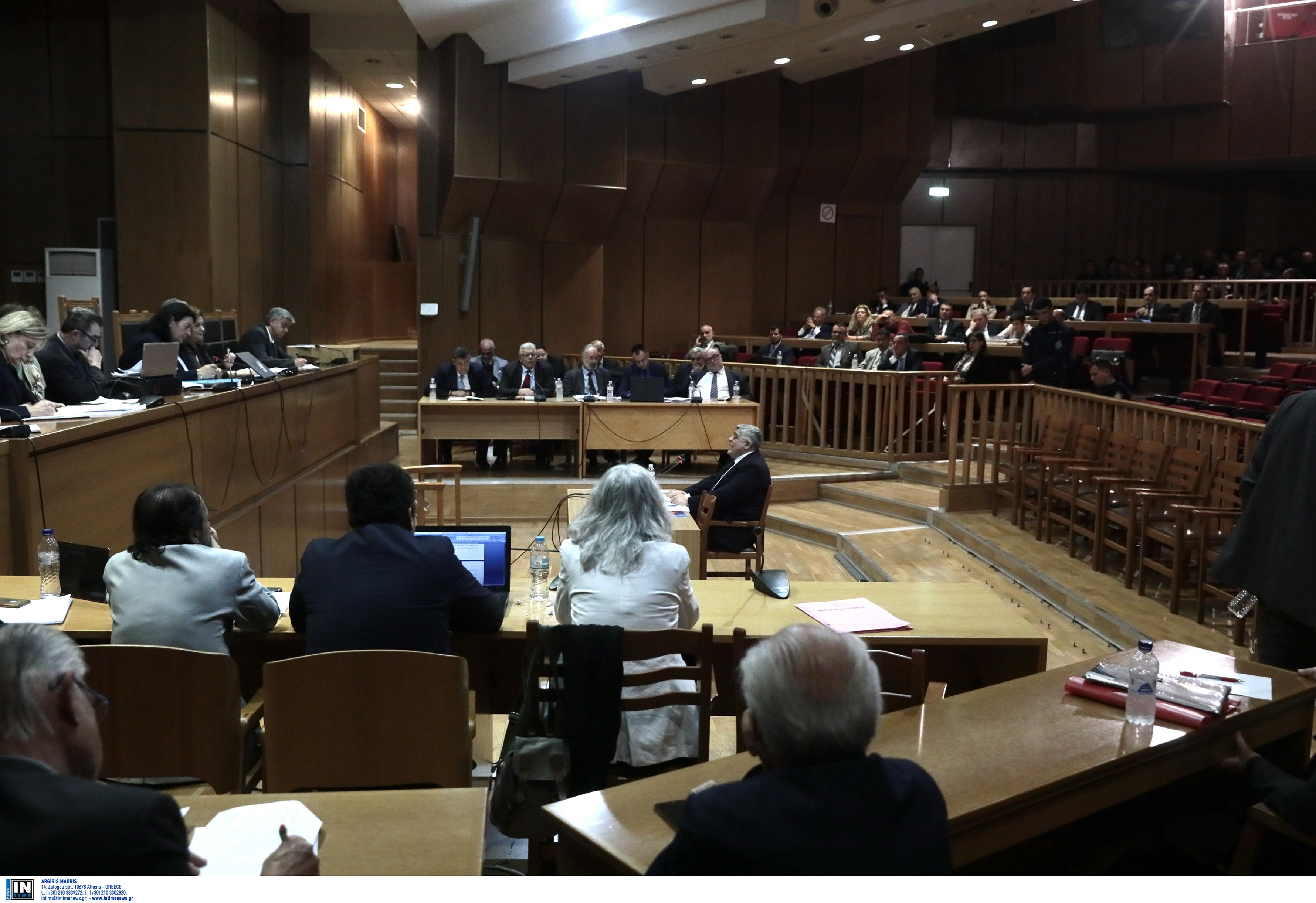 """Δίκη Χρυσής Αυγής: Απαλλαγή όλων για """"εγκληματική οργάνωση"""" πρότεινε η εισαγγελέας"""
