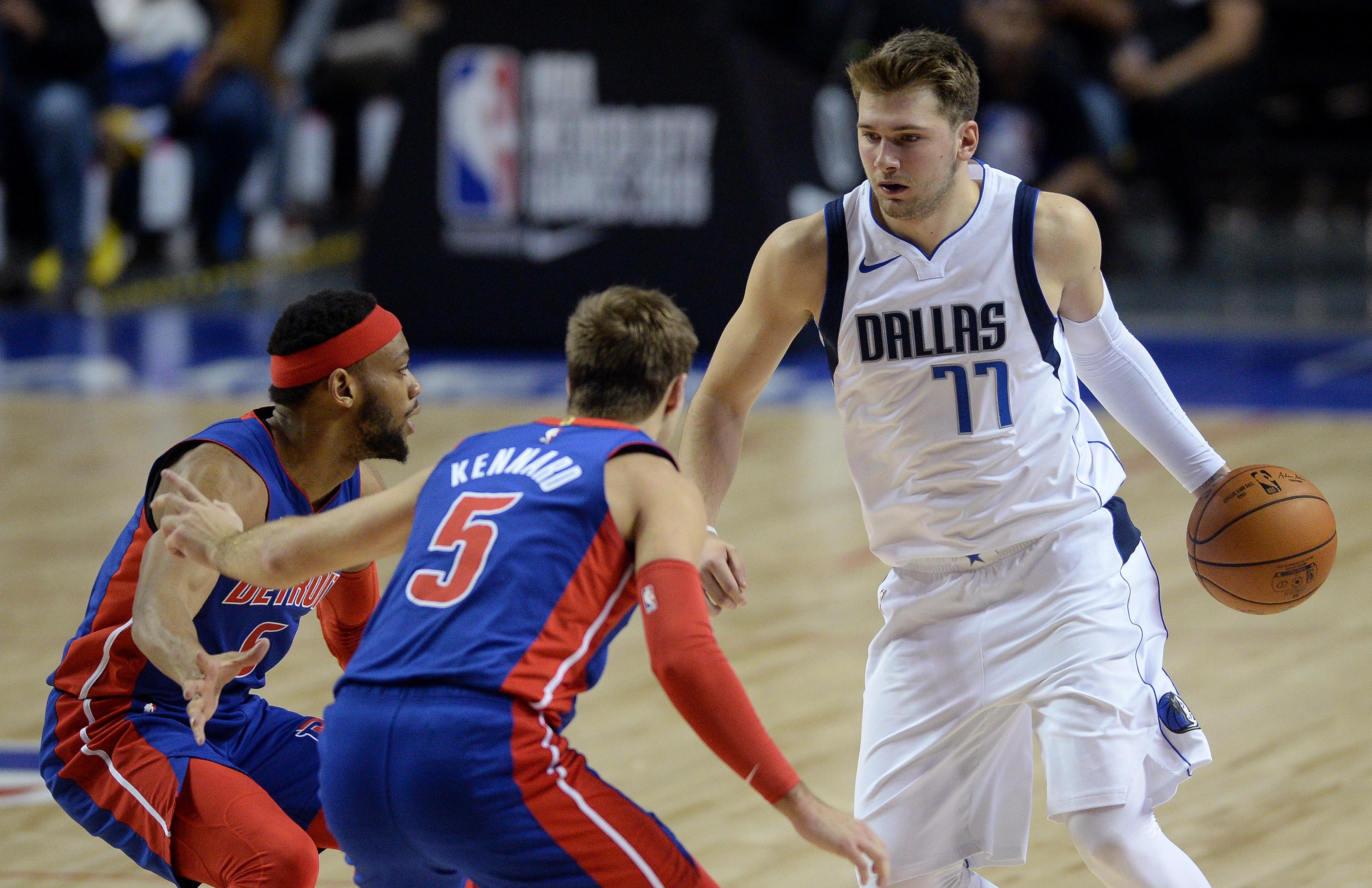 """NBA: Γράφει ιστορία ο Ντόνσιτς! Με νέο triple double και 40άρα """"έσπασε"""" τα κοντέρ (video)"""