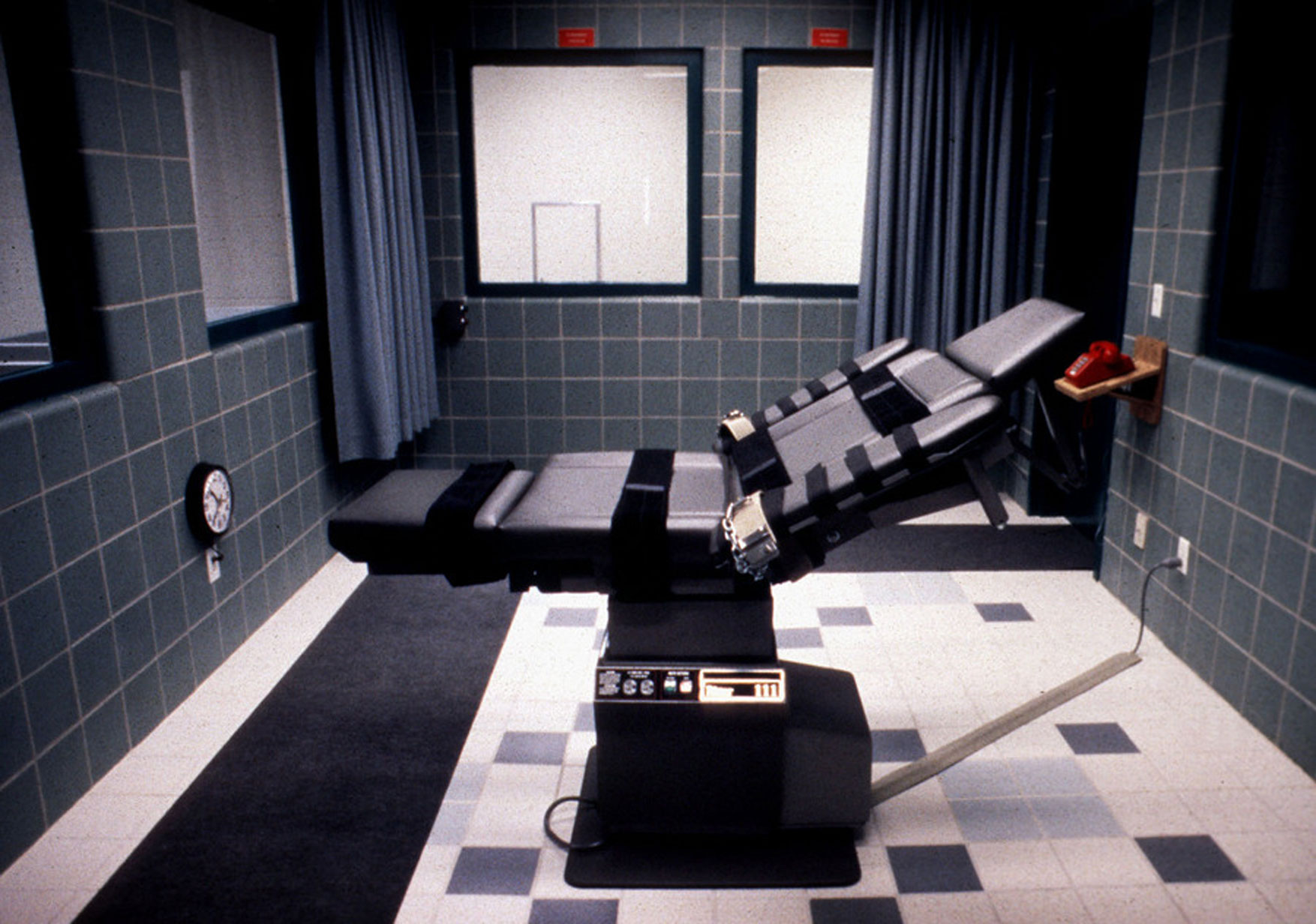 Επέλεξε την ηλεκτροπληξία από την ένεση! Εκτελέστηκε τυφλός θανατοποινίτης 30 χρόνια μετά τη δολοφονία της συντρόφου του