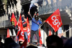 Γαλλία: Ακόμα περισσότερες απεργίες ζητά το CGT ενάντια στο συνταξιοδοτικό του Μακρόν