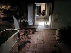 Τρεις εμπρηστικές επιθέσεις σε μισή ώρα! Γκαζάκια στο σπίτι του αστυνομικού συντάκτη του newsit.gr