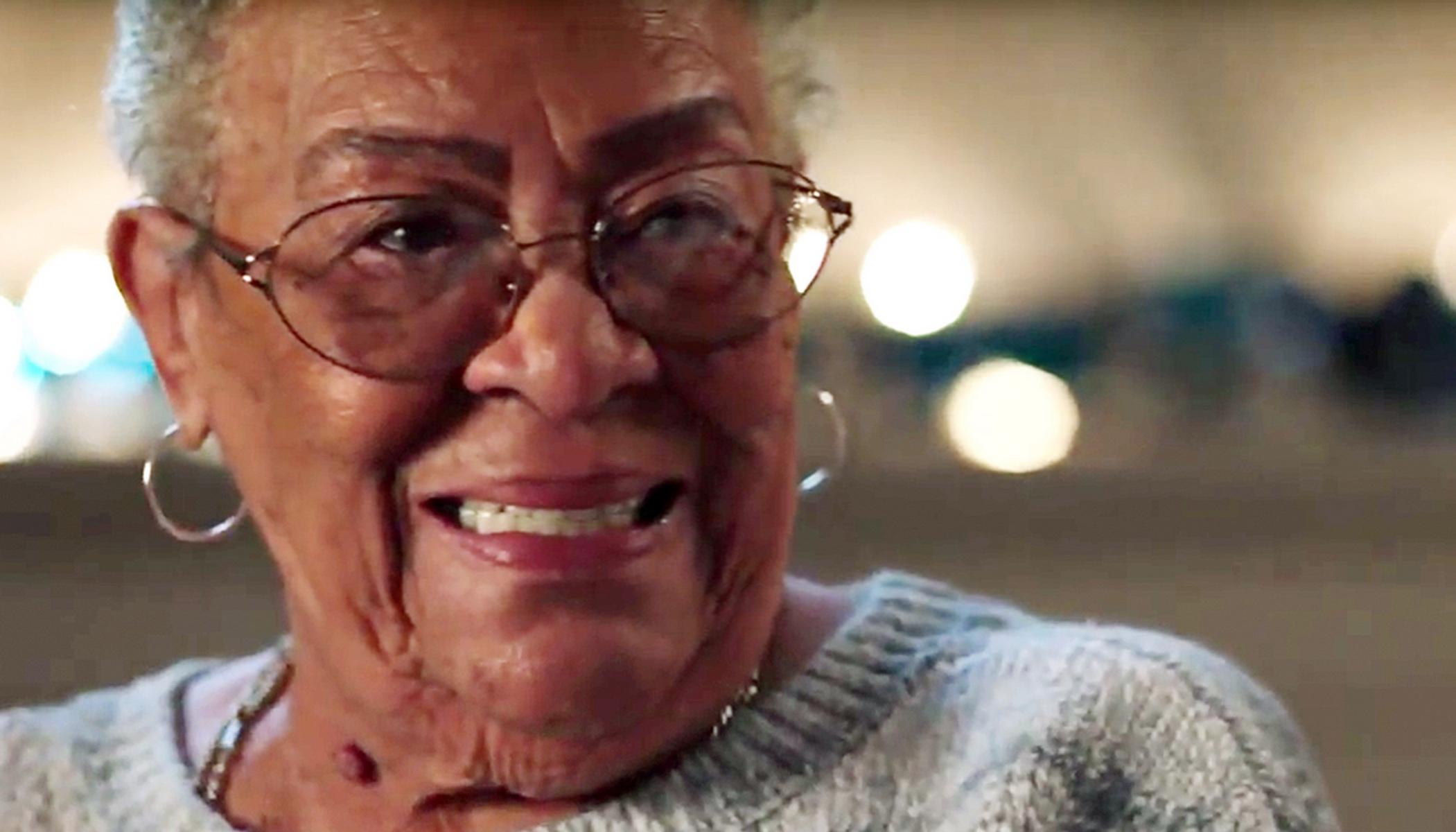 Στα 86 της έκανε το όνειρό της πραγματικότητα [video]