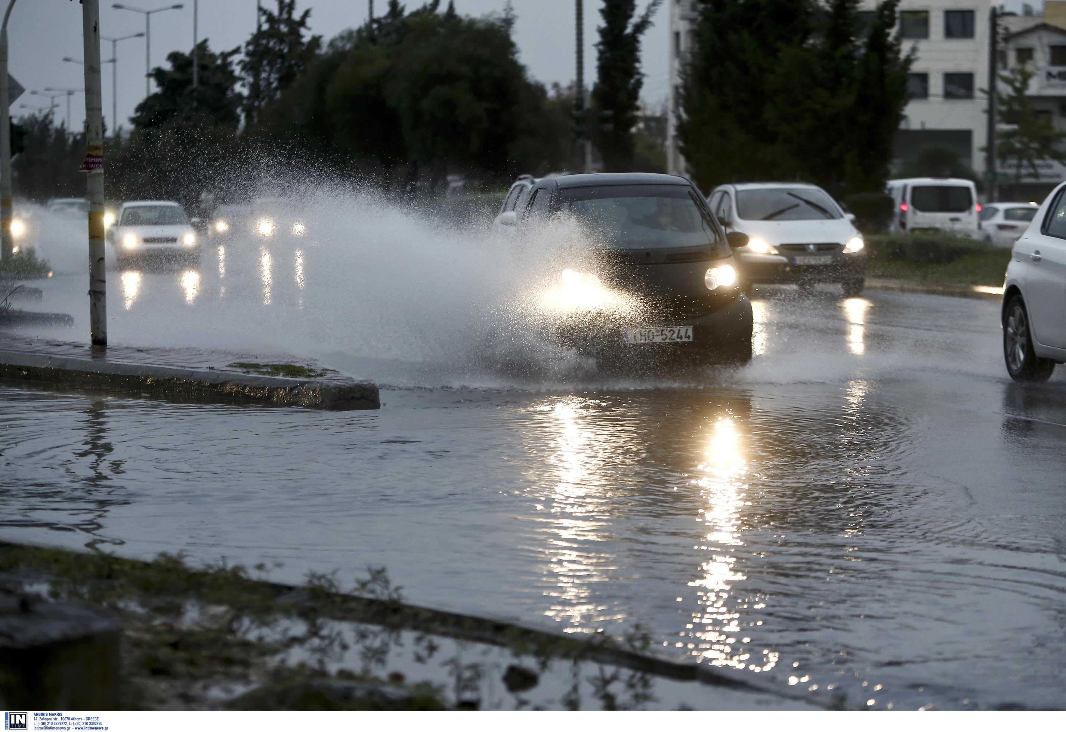 """Παραμένει αγριεμένη η """"Διδώ""""! Βροχές, καταιγίδες και χαμηλές θερμοκρασίες την Τετάρτη"""