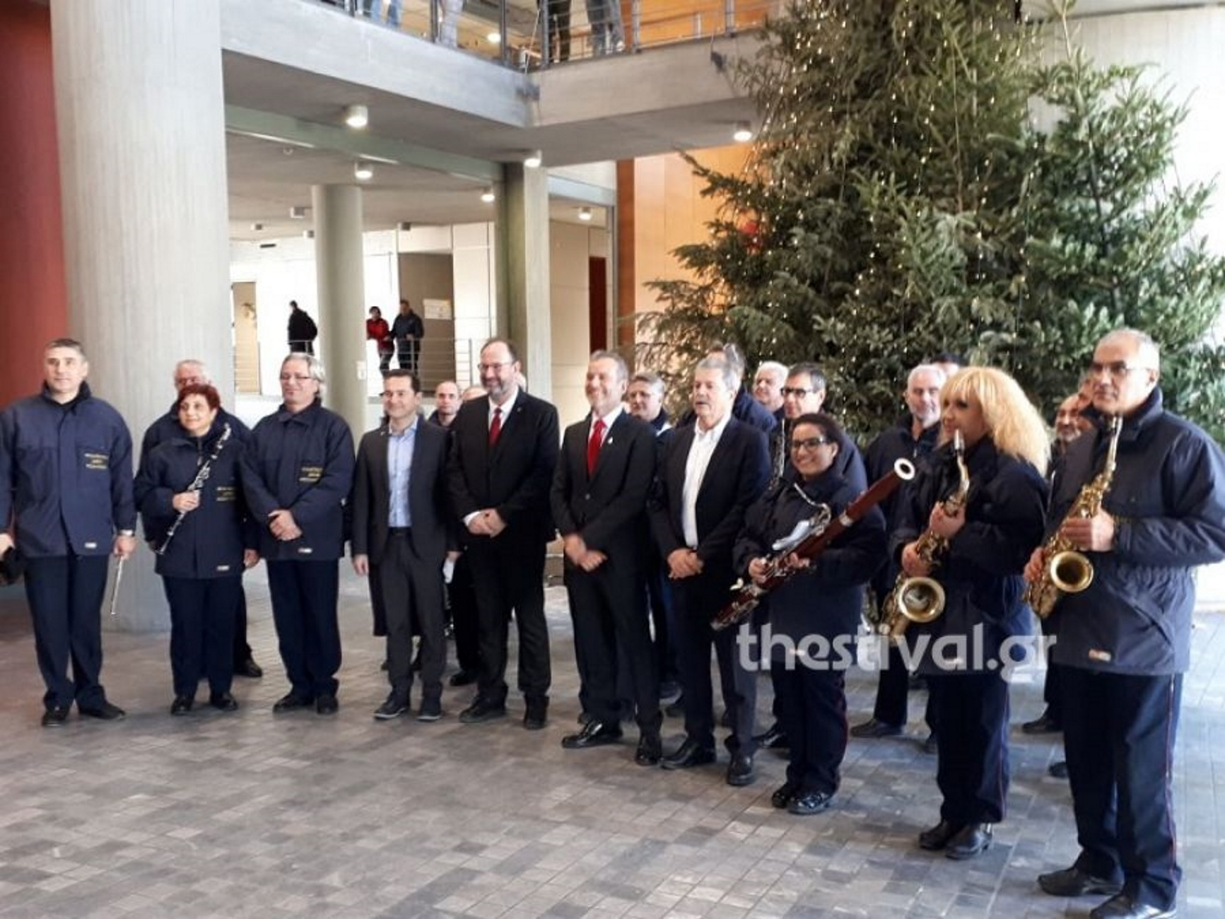 Θεσσαλονίκη: Χαμόγελα, ευχές και τα κάλαντα της πρωτοχρονιάς στο δημαρχείο της πόλης [video]
