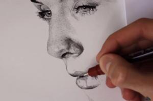 Συγκλονιστικό: Χρειάστηκε 90 ώρες για να κάνει 1 εκατ. κουκίδες σε ένα χαρτί!