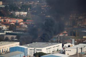 Βαρκελώνη: Πανικός από φωτιά σε χημικό εργοστάσιο! Εκκενώθηκε περιοχή στην Καταλονία