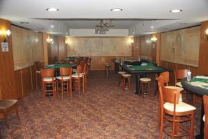 """Ρέθυμνο: Από την τσόχα στη """"στενή"""" οκτώ χαρτοπαίκτες πόκερ"""