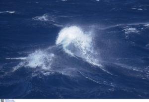 Λέσβος: Διασώθηκε το πλήρωμα του φορτηγού πλοίου που πήρε κλίση από μετατόπιση φορτίου!