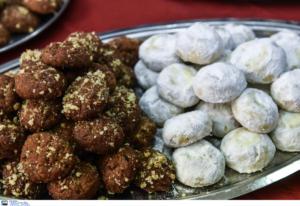 Πάρος: Γεύσεις και χριστουγεννιάτικα χρώματα! Πάγκοι με καλούδια στη γιορτή της Παροικίας