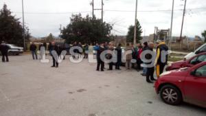 """Χαλκίδα: """"Δεν αντέχουμε άλλους μετανάστες""""! Στους δρόμους οι κάτοικοι της Αυλίδας για το προσφυγικό [video]"""