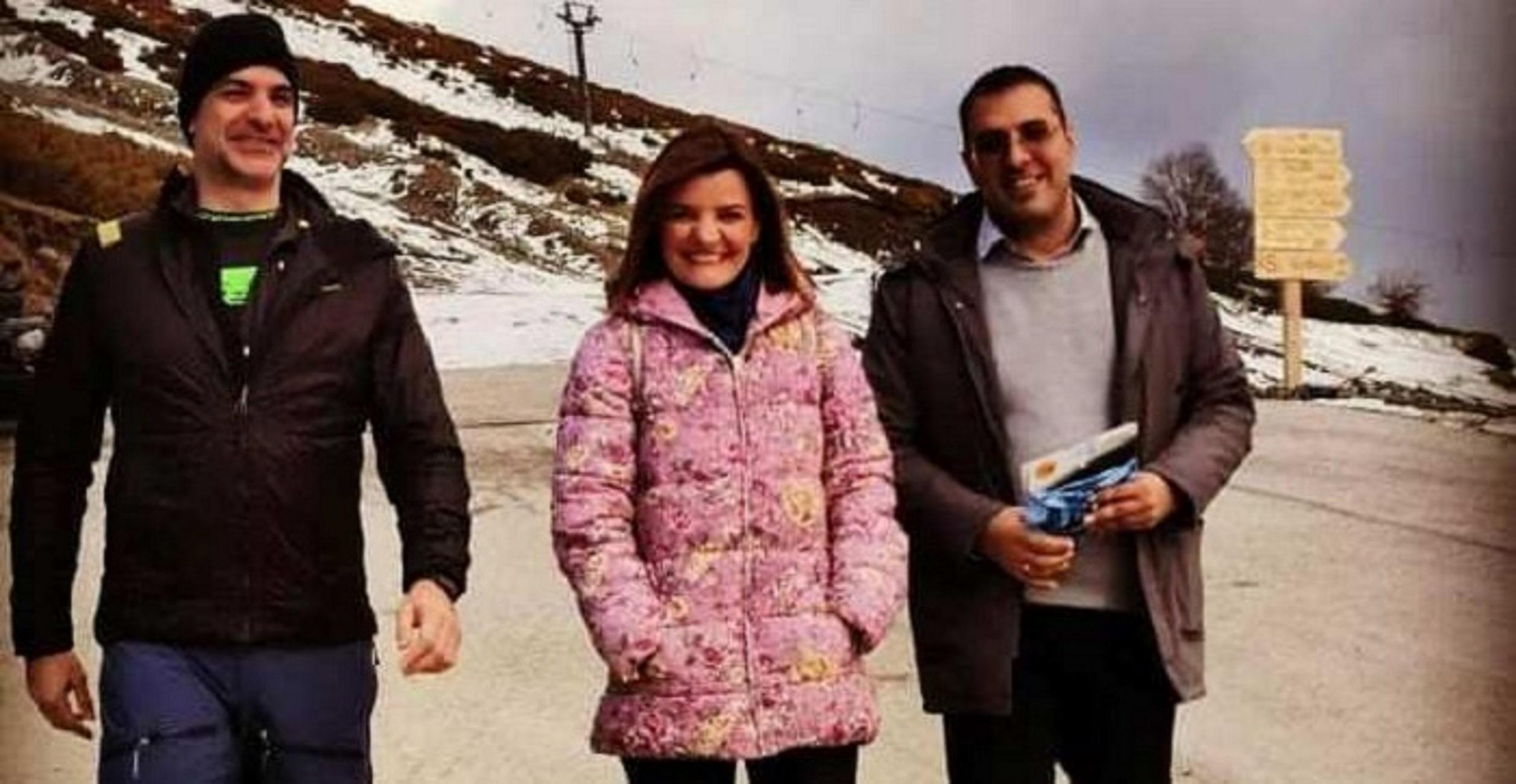 Κυριάκος Μητσοτάκης: Η πεζοπορία στα χιόνια του Μετσόβου και οι καλεσμένοι στο τραπέζι που ακολούθησε [pics]