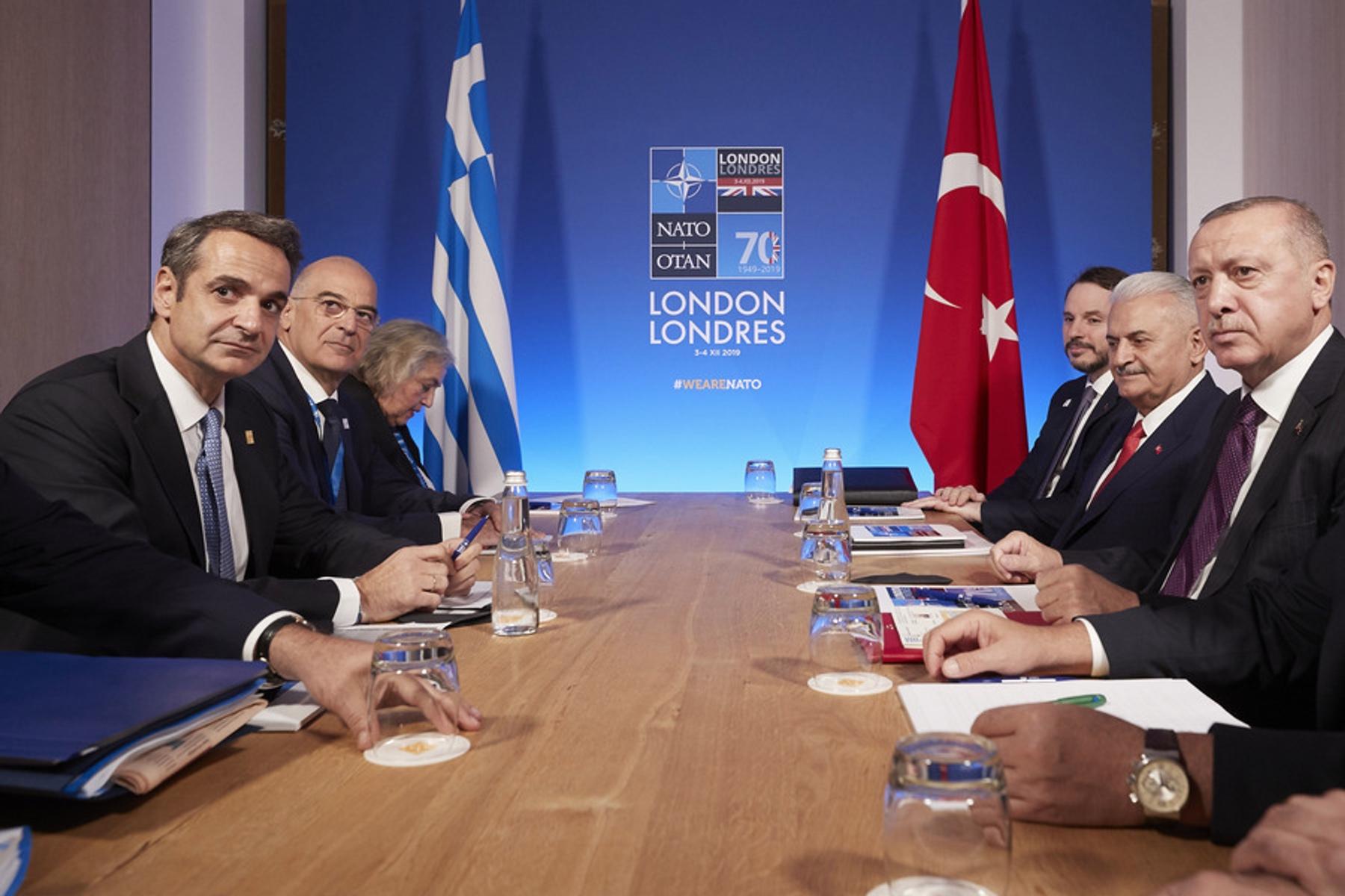 Συνάντηση Μητσοτάκη Ερντογάν: Γιατί θεωρούν στην κυβέρνηση πως η Ελλάδα ενισχύεται