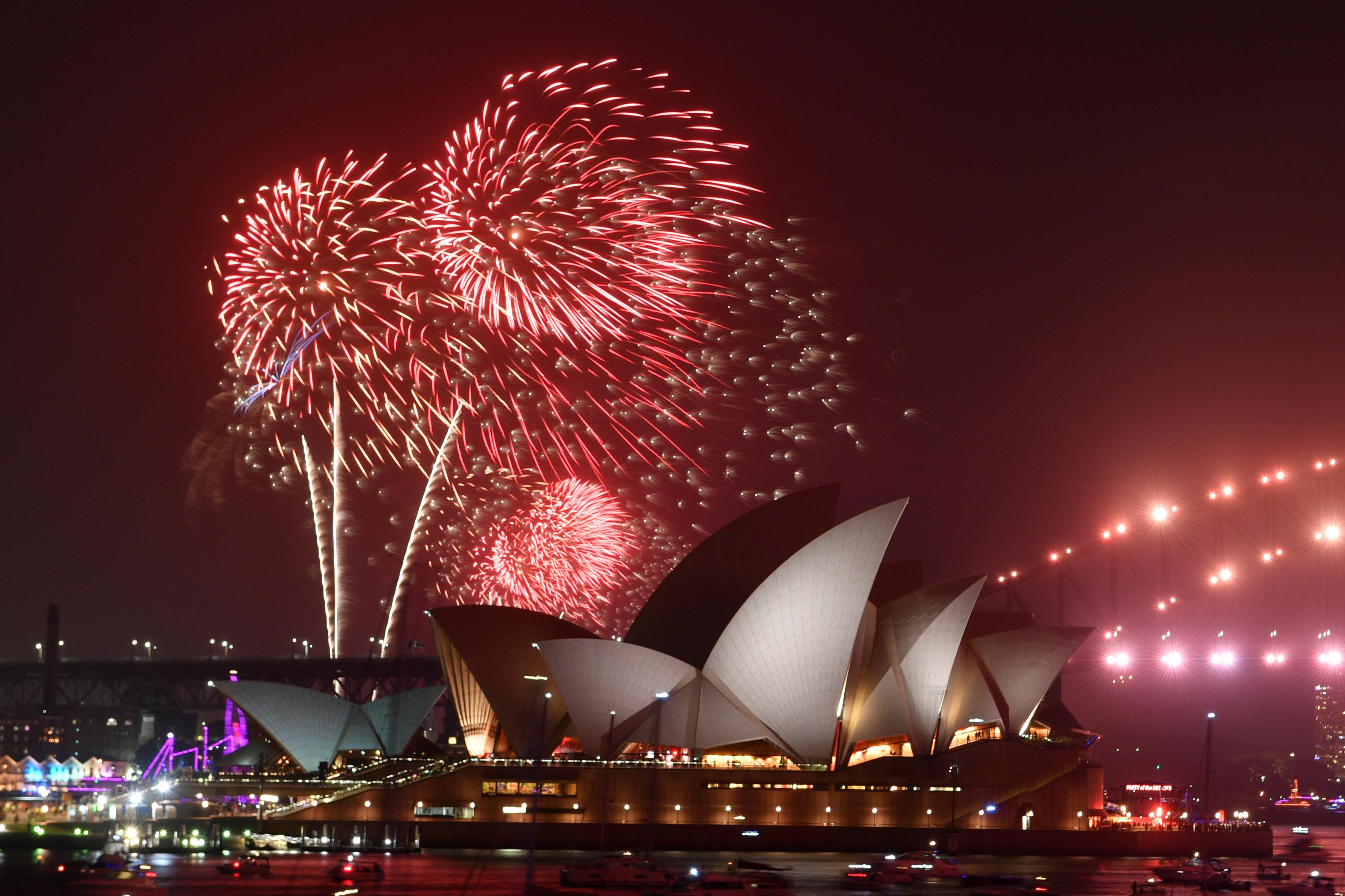 Μπήκε το 2020! Ένα… χρόνο μπροστά Αυστραλία και Νέα Ζηλανδία [video]