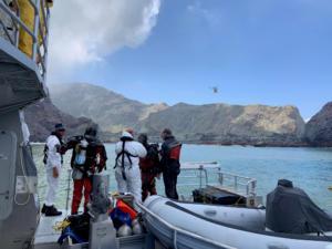 Νέα Ζηλανδία: Δύτες αναζητούν τους νεκρούς στο νησί Γουάιτ