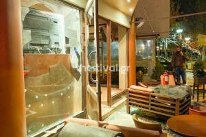 Καλαμαριά: Συμπλοκή οπαδών σε μπαρ! Pics, video