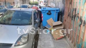 Χαλκίδα: Ανέβασε τους κάδους στο πεζοδρόμιο και έγινε θέμα συζήτησης