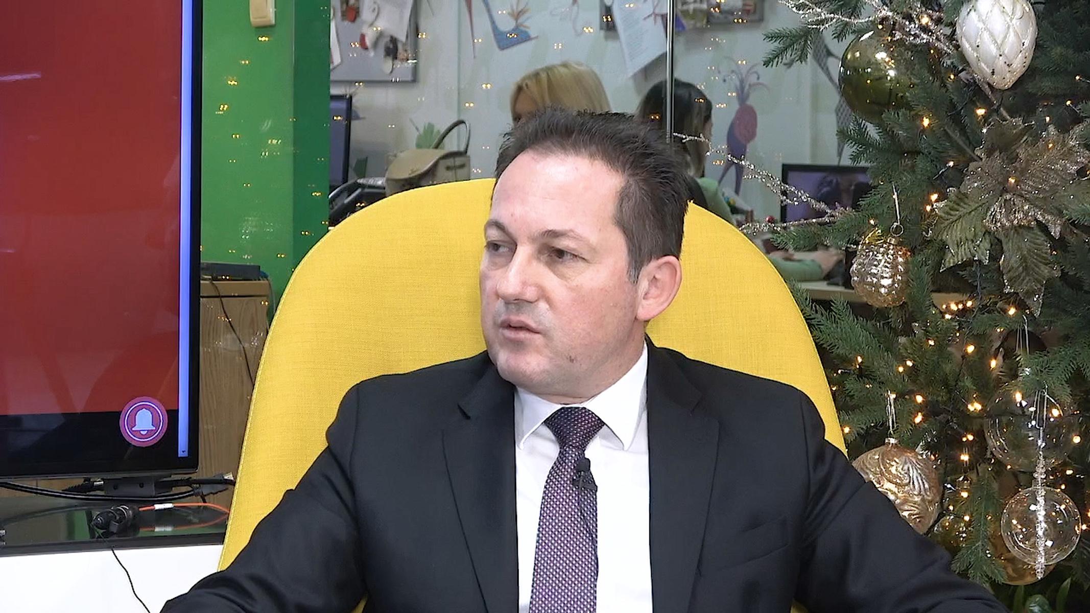 Στέλιος Πέτσας στο newsit.gr: Μέρισμα σε περισσότερους δικαιούχους και μειώσεις φόρων