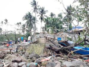 Θρήνος στις Φιλιππίνες: 16 νεκροί από τον τυφώνα Φανφόν