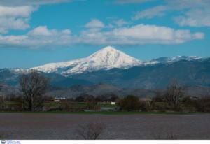 Τρίκαλα: Ανεβαίνει επικίνδυνα η στάθμη του Πηνειού! Χιόνια και πτώσεις βράχων στα ορεινά