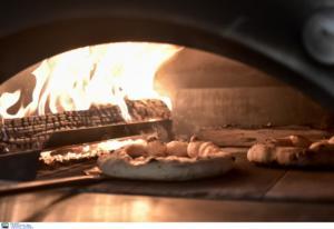 Θεσσαλονίκη: Φυλάκιση στον διανομέα πίτσας που… αυνανίστηκε μπροστά στην πελάτισσα