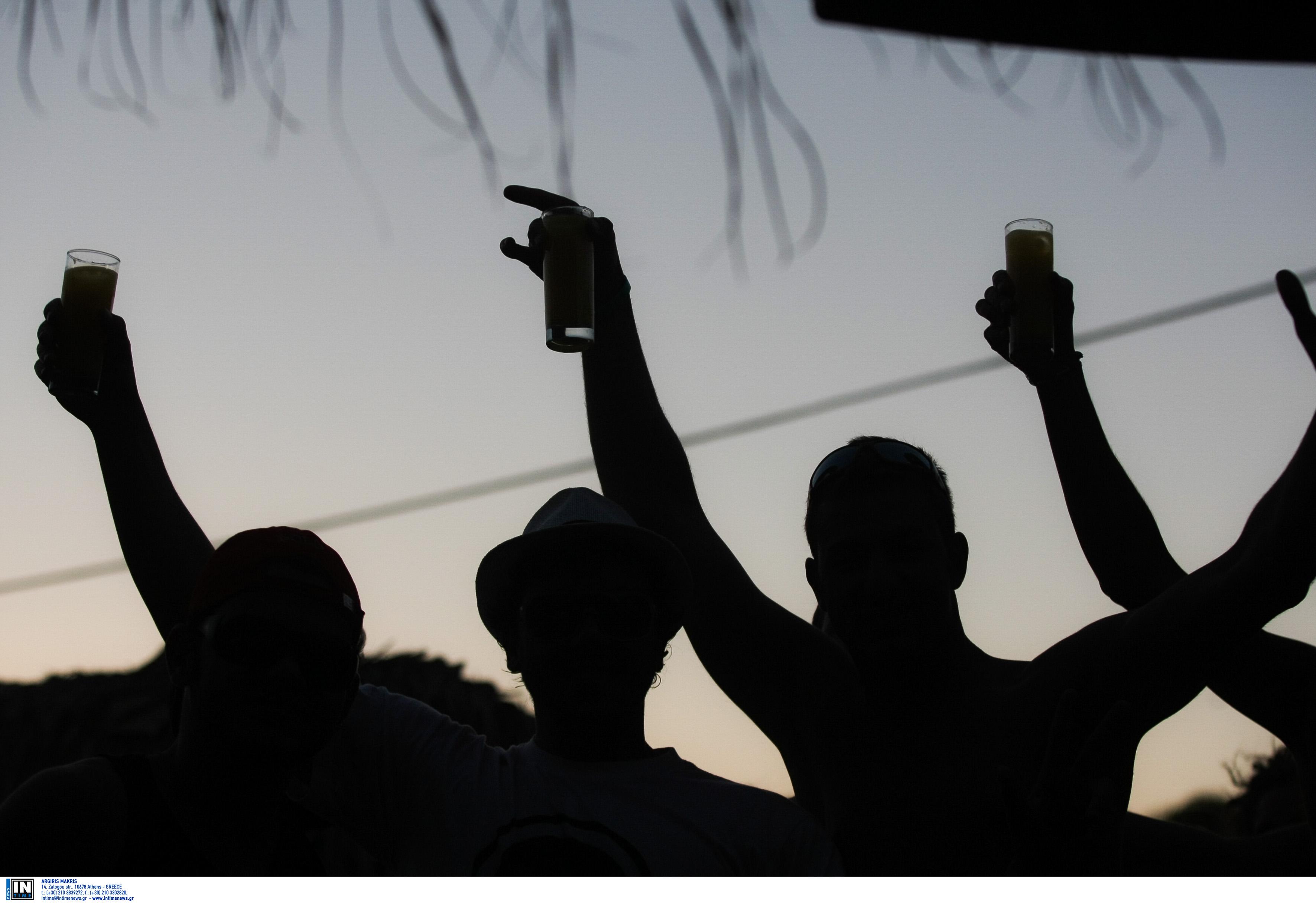 """""""Ποταπαγόρευση"""" για ανηλίκους, εγκύους και οδηγούς! Μετά το κάπνισμα, """"φρένο"""" και στο αλκοόλ"""
