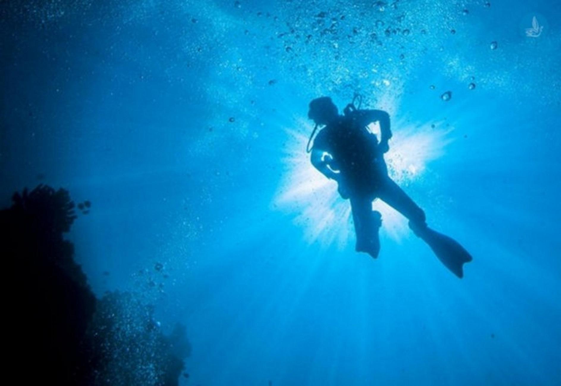 Χαλκιδική: Ζωντανός σε παραλία ο αγνοούμενος ψαροντουφεκάς – «Οι καρδιές μας πήγαν στη θέση τους»