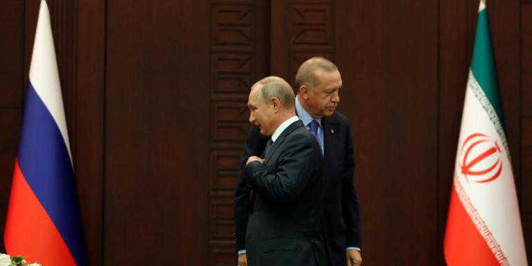Συλλυπητήρια Πούτιν σε Ερντογάν για τους νεκρούς από τον σεισμό