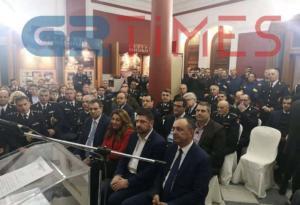 """Θεσσαλονίκη: Συγκίνηση στην εκδήλωση βράβευσης δύο πυροσβεστών που """"έπεσαν"""" στο καθήκον!"""