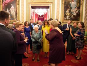 Βασίλισσα Ελισάβετ: Το tweet με Μητσοτάκη – Μαρέβα, τα «πηγαδάκια» και το… backstage! video