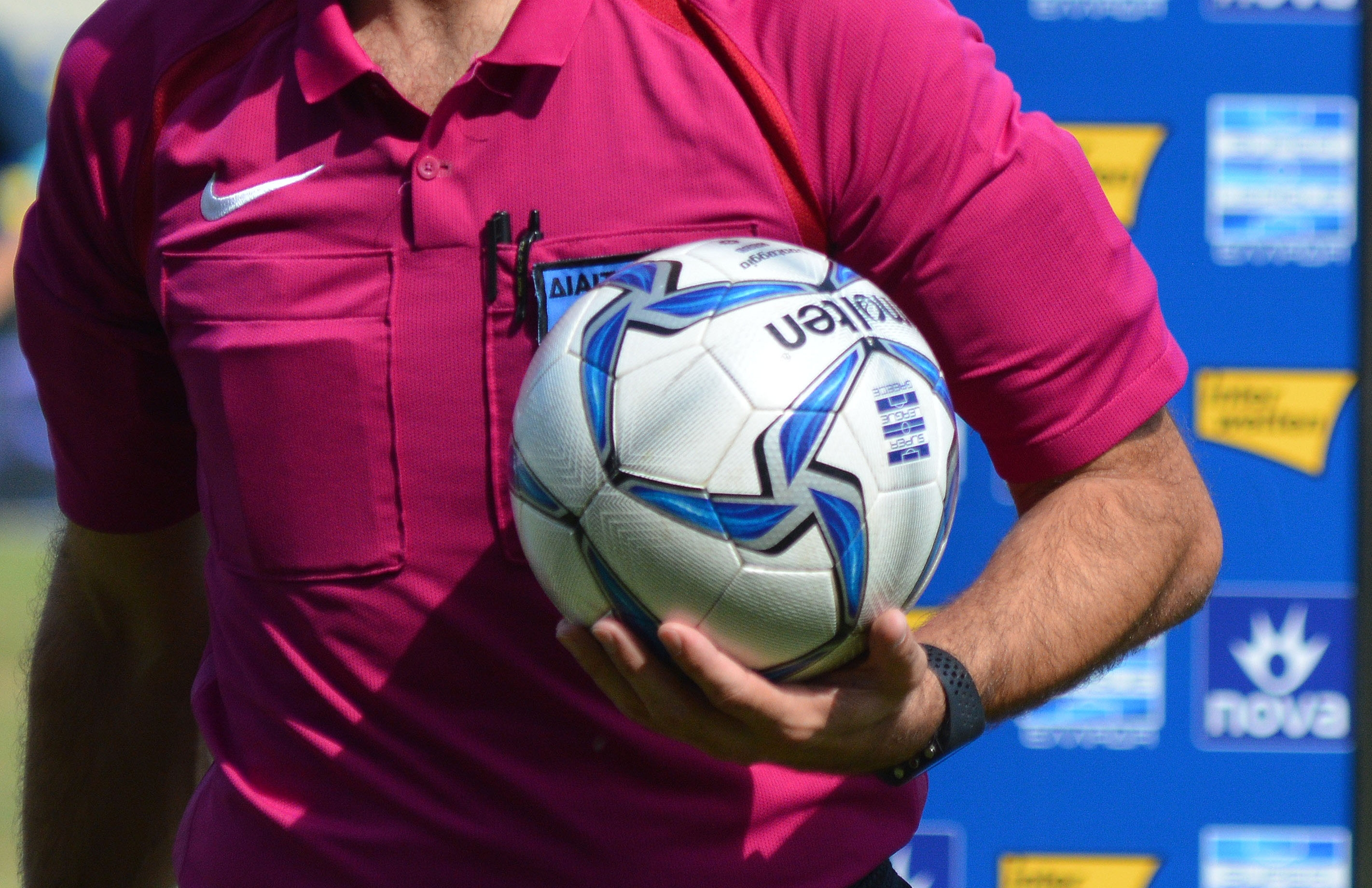 Superleague: Ξαφνική αλλαγή βοηθού διαιτητή στο παιχνίδι του ΠΑΟΚ λόγω κορονοϊού