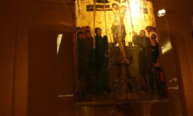 Ποιος είναι ο απόστρατος που έκλεψε την εικόνα του Χριστού; Πώς έκανε ρεκόρ τηλεθέασης;