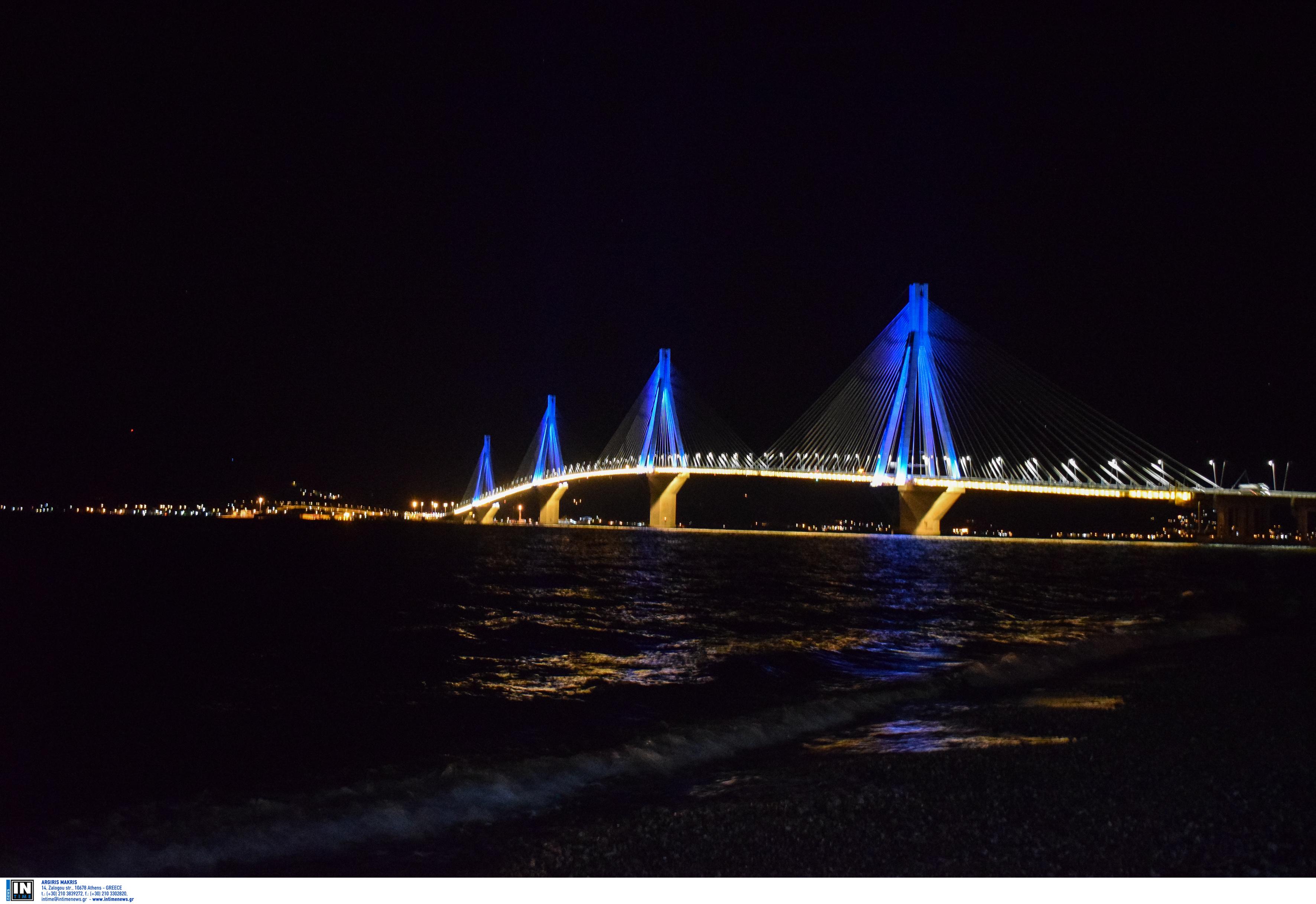 Η φωταγωγημένη γέφυρα Ρίου – Αντιρρίου θα σας κόψει την ανάσα