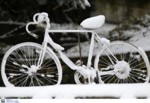 Καιρός: Ο χειμώνας δείχνει τα δόντια του και οι μετεωρολόγοι «βλέπουν» χιόνια ίσως και στην Αθήνα!