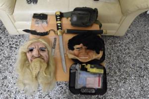 Θεσπιές Βοιωτίας: Μάσκες, όπλα και φυσίγγια πίσω από την πισώπλατη εκτέλεση πατέρα και γιου [pics]