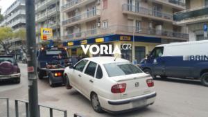 """Θεσσαλονίκη: """"Σήκωσαν""""αυτοκίνητα το πρωί σε κεντρικούς δρόμους"""