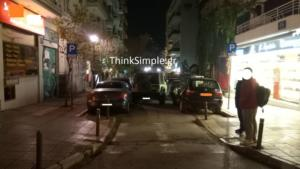 Θεσσαλονίκη: Οδηγάρα… τράκαρε 4 παρκαρισμένα αυτοκίνητα στη σειρά!