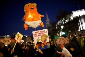 Διαδηλώσεις κατά Τραμπ και ΝΑΤΟ στο Λονδίνο [pics]
