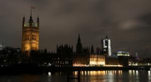 Η ώρα της κρίσης στη Βρετανία! Κλείνουν οι κάλπες στις πιο ιστορικές εκλογές