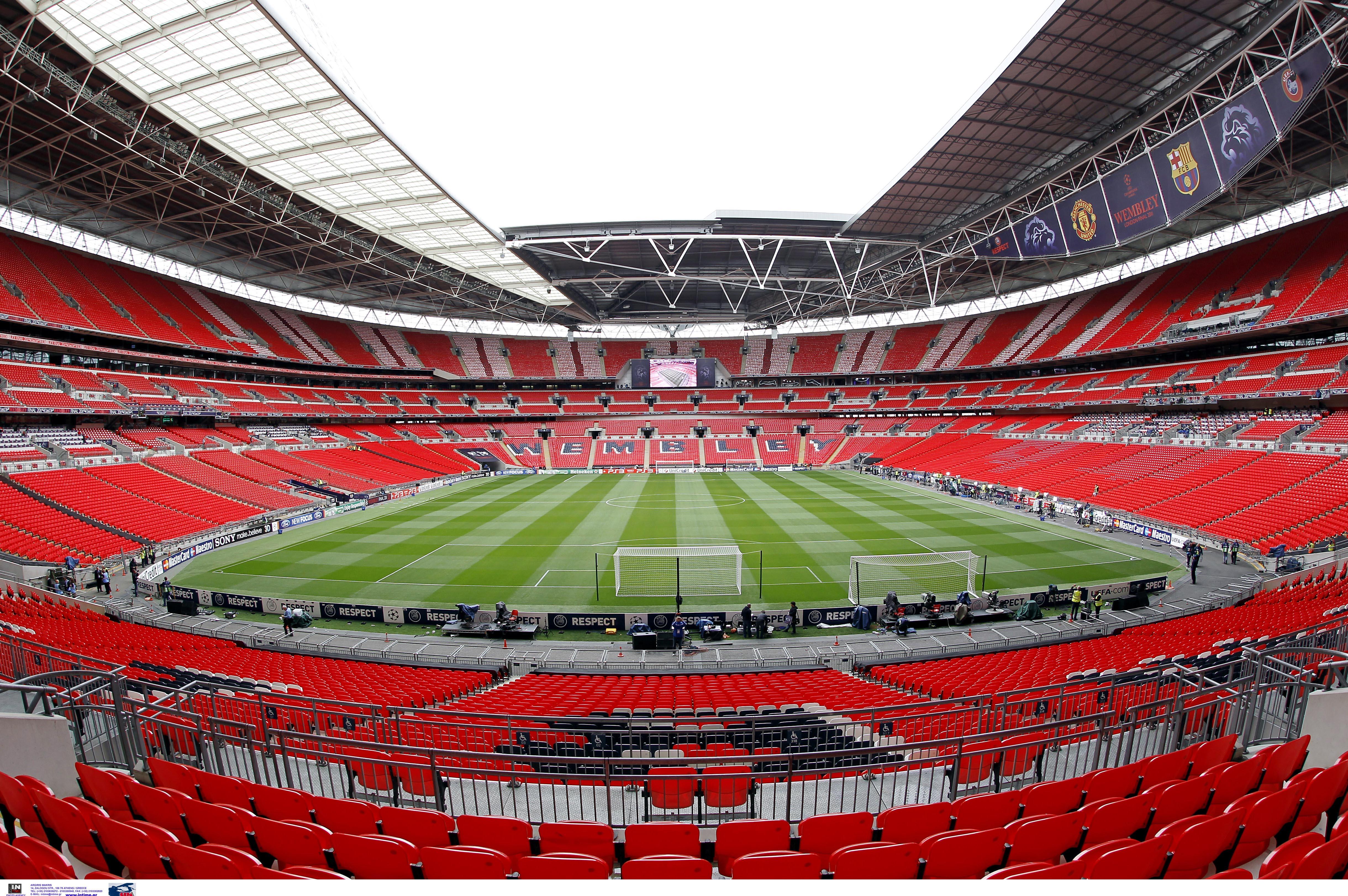 Τελικός Κυπέλλου Αγγλίας με κόσμο στις κερκίδες του Γουέμπλεϊ