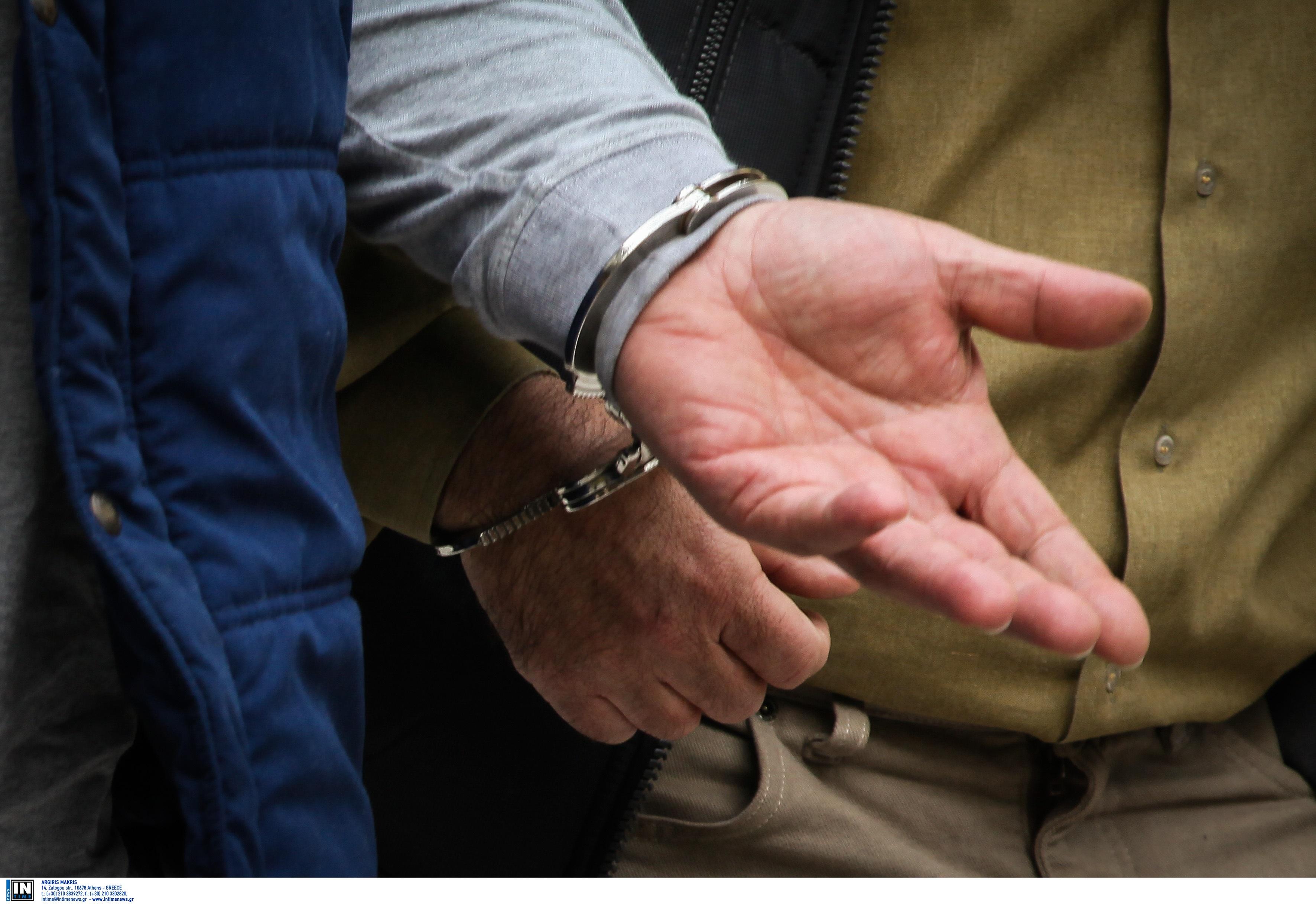 Άγρια συμπλοκή στο Ηράκλειο - Χειροπέδες σε δύο νεαρούς