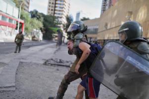 Χιλή: Ο ΟΗΕ ζητά διώξεις σε αστυνομικούς και στρατιωτικούς για τη χρήση βίας